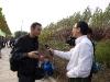Changle, Shandong, China. Entrevista de la escuela en medio de una excursion con los alumnos.