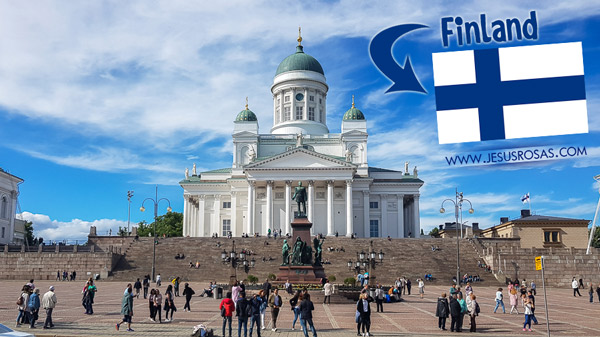 I remembering hearing about Finland, Sweden, and Norway when I was in fifth grade. I had to learn their capitals. I never thought that I would visit them one day. Here's the Helsinki Cathedral, one of the most famous landmarks in Helskinki, Finland. This is an Evangelical Lutheran cathedral.