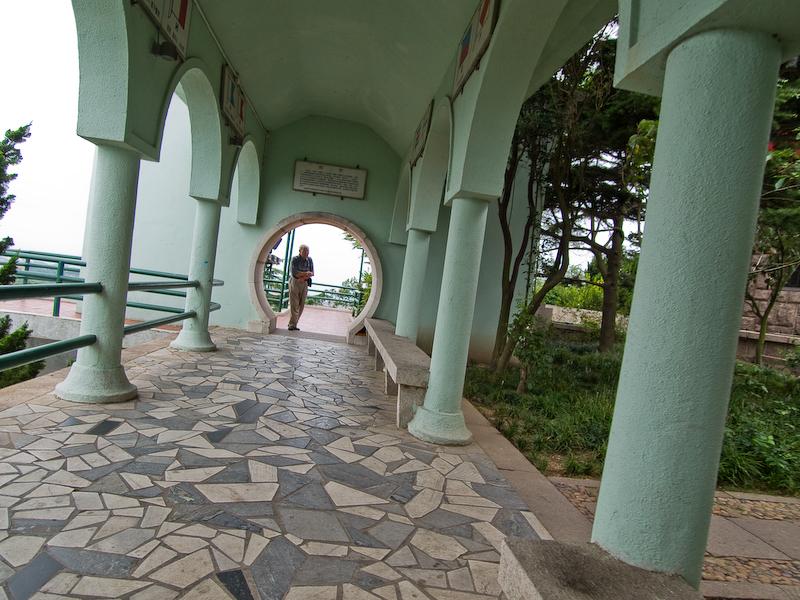 El pasillo visto desde el otro lado.