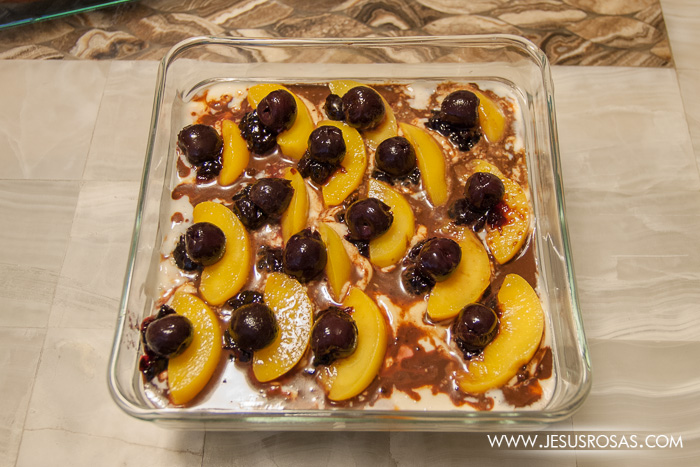 Pastel helado with peaches and black berry Jesús Rosas' style
