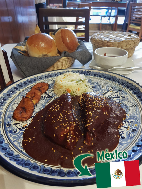 And here is another top dish of 2018. I went to Testal restaurant in Mexico City. The place is not that impressive, but their menu was. I got the chicken breast covered in blackberry mole with plantaine. If you don't know what mole is, you should google it. I can only say that it is normally a chocolate, chilies, and nuts type of sauce. Like the Indian curry, there are so many variations and recipes and whatever your experience with mole, it may be completely opposite the next time you try it again. Some are sweeter, some saltier, some spicier, and more. I liked this one in particular. I think the blackberry touch got me. On the side note, the restaurant had an excellent set of clips about places to go in Mexico. Pechuga de pollo en mole de zarzamora y plátano macho http://testal.mx/